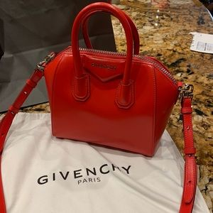 Authentic Givency